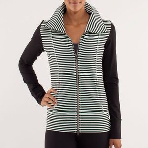 Lululemon daily yoga zip up jacket mint/black 8